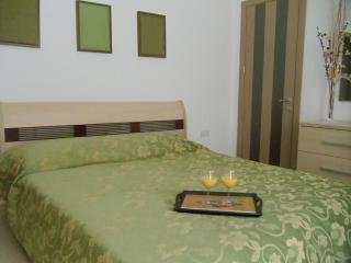 Spacious holiday apartment 5min walk from the sea, Marsaxlokk