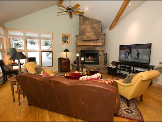 Located Right Next to the Moose Creek Lift - Teton Pines Club Access - Golf, Swimming, Tennis & Nordic Skiing (3735), Jackson