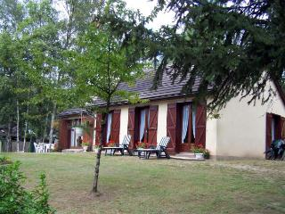 2 bedroom Villa in Cours-de-Pile, Nouvelle-Aquitaine, France : ref 5238610