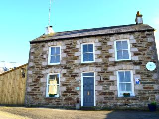 Sea Views - one bed self contained on the second floor, 3 windows have sea views, Perranporth
