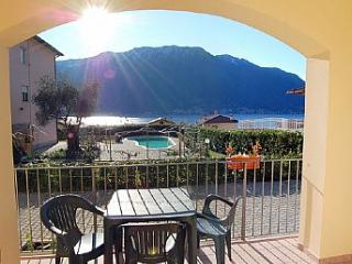 Mezzegra Villa Sleeps 4 with Pool and WiFi - 5228678