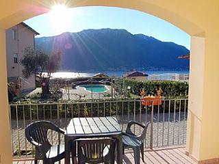 Mezzegra Villa Sleeps 4 with Pool and WiFi - 5228678