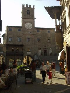 Cortona's Piazza Repubblica. Perfect for wining and dining, or simply a coffee or a beer.