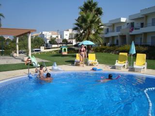 Apartamento Alvor c / piscina