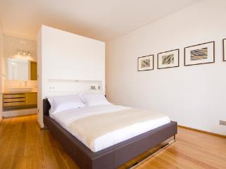 first floor double bedroom with its ensuite bathroom