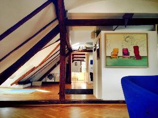 ShOOfit_Loft Apartment, Zagreb