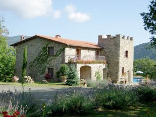 Tuscanystop Montecastello Traditional Stone 4 bedroom Villa Lunigiana