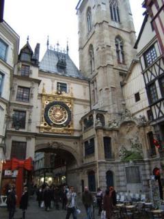 La rue du Gros Horloge à  Rouen