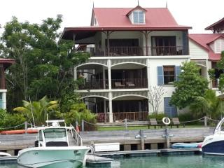 Eden Island Marina View  Apartment - 88m2