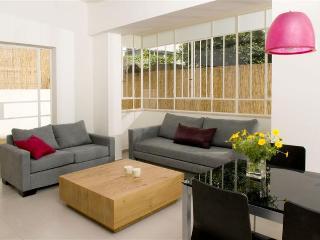 Sunny 2BR private garden @ Israels st.,, Tel Aviv