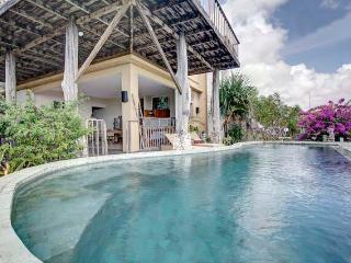 HUGE VILLA WITH THE BEST VIEW IN ALL OF BALI, Ungasan