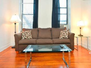 Beautiful And Large 1 Br Located On The UWS, New York
