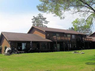 Eagle Pointe Villa-On Lake-Snowmobile & Bike Trls