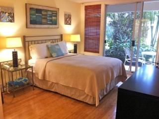 Maui Banyan studio (no separate bedroom) sleeps 2, Kihei