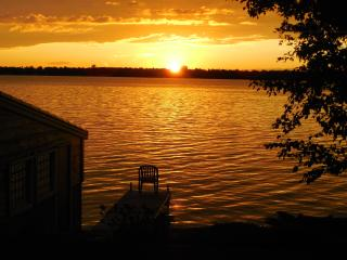 Lovely Balsam Lake Four Season Waterfront Cottage, Kawartha Lakes