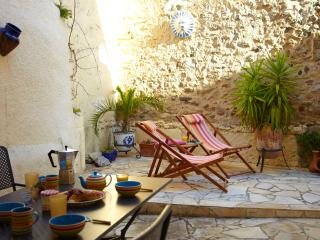 Spacious 3 bedroom village house in the heart of Laroque des Alberes