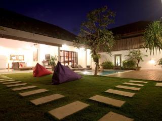Villa Art-Gecko Seminyak-Batubelig, Canggu