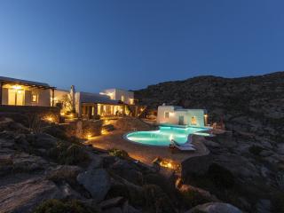 Dolce Vita Mykonos Estate, Elia
