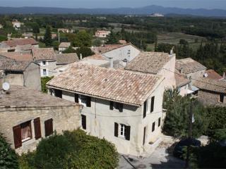 Coeur du Village à la Bastide des Launes en Provence, Chamaret
