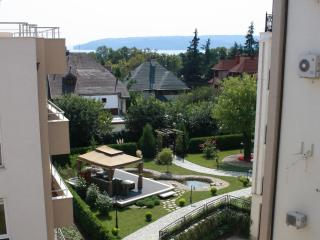 Bright 2BD apartment near Sea Park, Varna