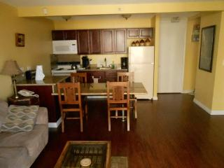 812WS Waikiki Beachside 1 Bedroom Full Kitchen w/Balcony
