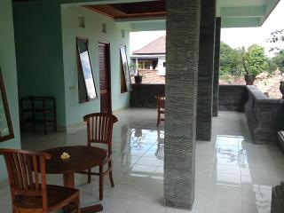 2nd floor, airy and breezy patio