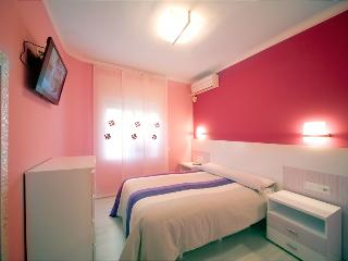 Three-bedroom apartment near beach in Barceloneta, Barcelona