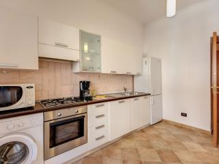 Big kitchen fully equipped+washine machine+over+dishwasher