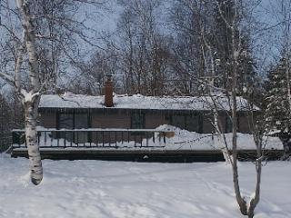 Little Madawaska Lake Four Season Home / Lakefront