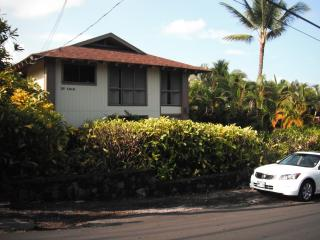 Ocean view, close to beaches, not far from town., Kailua-Kona