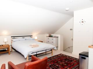 The studio appartment is self-contained and has it's own private entrance.