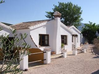 El pasa Fina 2 bedroom cottage with private terraces