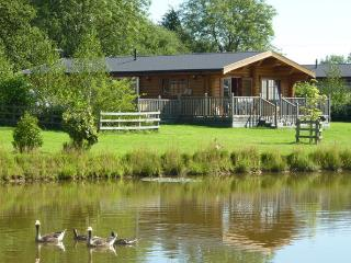 log cabin with hot tub free fishing Primrose, Oakham