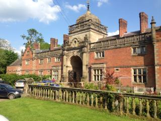 Ingestre Lodges / Riding School