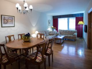 Apartamento 4 dormitorios, Pampelune