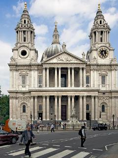 St Paul's Cathedral - 6 mins from Apartment