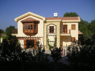Green Valley Villa, Alsancak - Karavas
