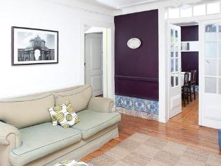 Center! Center! Downtown typical apartment for 6!!, Lisbon