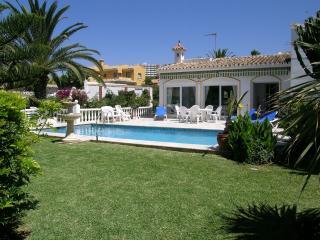 Villa Marbesa 2º line beach, Elviria