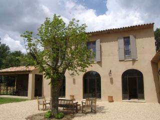 Aix En Provence Holiday Rental, Terrific 4 Bedroom Villa