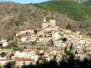 Vernet les Bains, nestled in the valley giving a lovely climate all year round