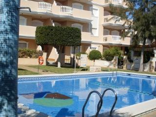 Cabo Roig Apt 1 Blk Off Strip & Beach 2 minute walk, All Amenities and fun!!