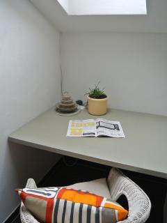 Kleines Büro zum Arbeiten