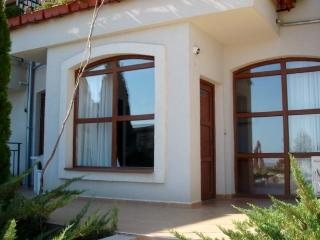 Luxury ground floor /pool side, Sunny Beach