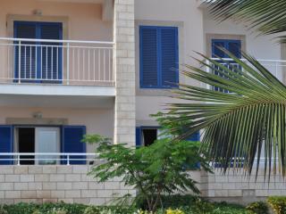 Beautiful Appointed Apartment  Vila Verde Resort
