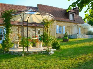 Gites at Sibemol GREEN HAVEN Farmhouse in Perigord 100m2/1076Sqft for 8 pers.