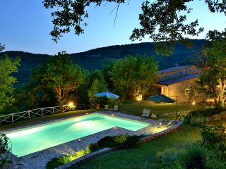 Villa Costa Piccola/ Villa with private pool, Umbertide