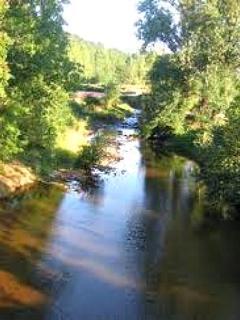 Rivière à 200 mètres du gite