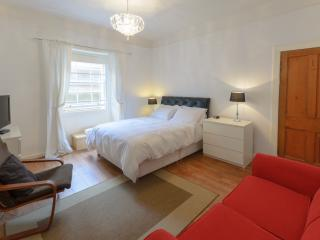 Central Apartment in Old Town ,ideal for Festival, Edimburgo