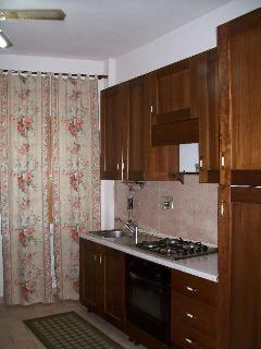 Cucina attrezzata, kitchen furnished